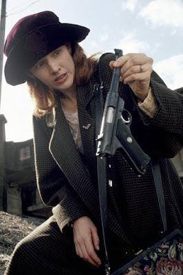 The Gun In Betty Lous Handbag 1992 Penelope Ann Miller Image 6