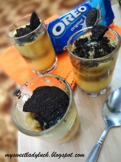 puding custard topping oreo
