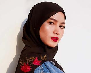 Jihan Husein Pakai Hijab