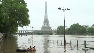 River Seine starts dropping in Paris