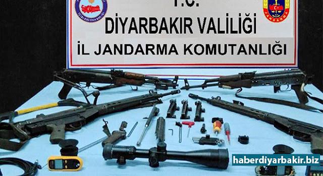 DİYARBAKIR-Diyarbakır'da Mart ayında PKK'lilere yönelik operasyonlarda, 16 örgüt mensubunun öldürüldüğü, 49 kişinin tutuklandığı belirtilirken PKK'ye ait mühimmat ile 13 ton uyuşturucunun ele geçirildiği belirtildi.