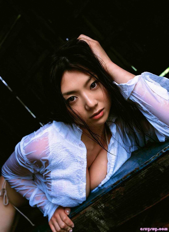 Hitomi Aizawa Nude Photos 15