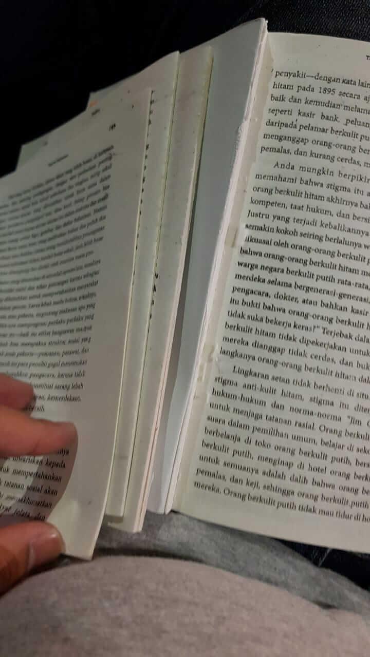 buku bajakan lemnya lepas lepas