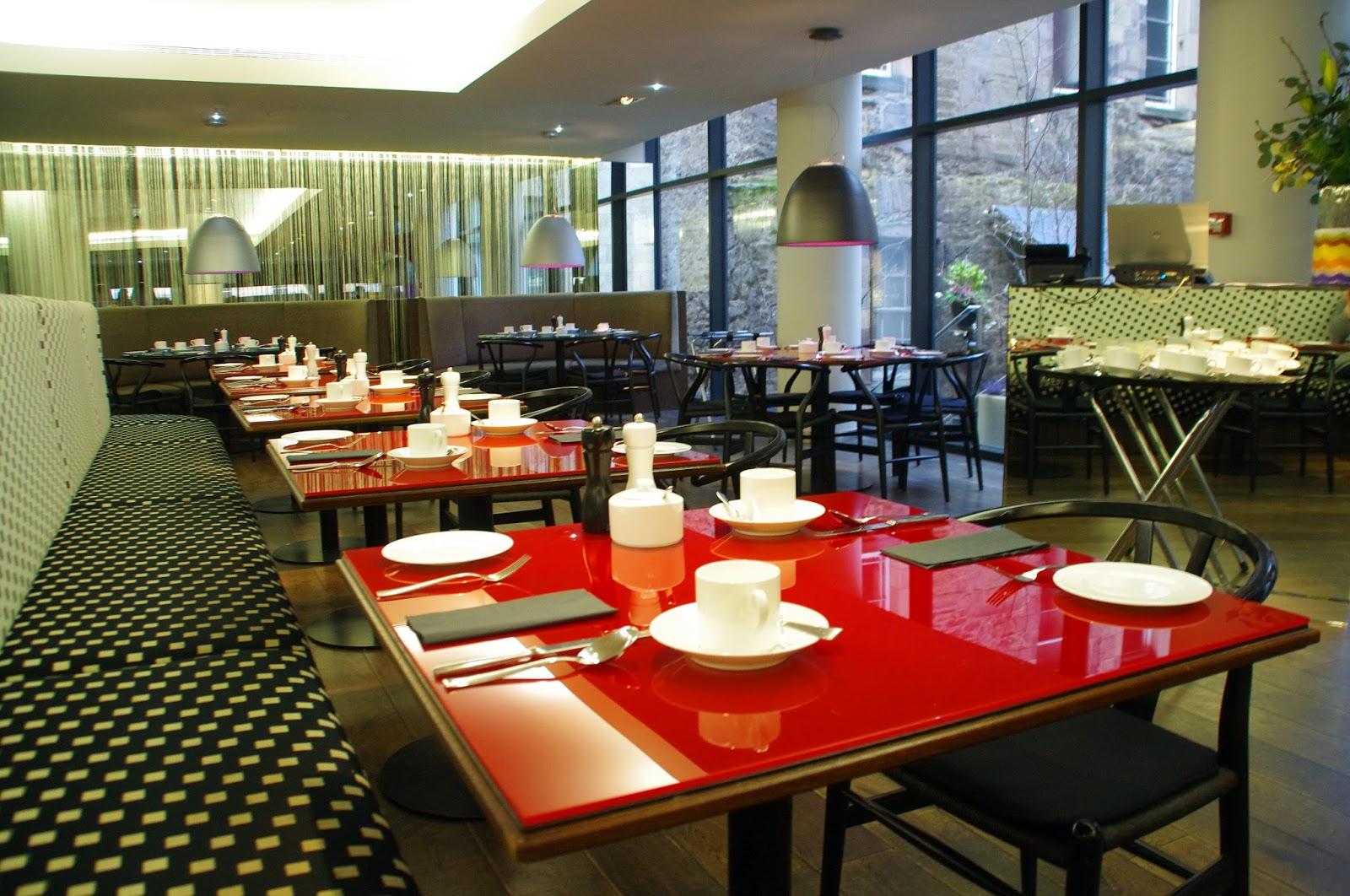 A stylish stay at edinburgh 39 s g v royal mile hotel the for Cucina g v hotel