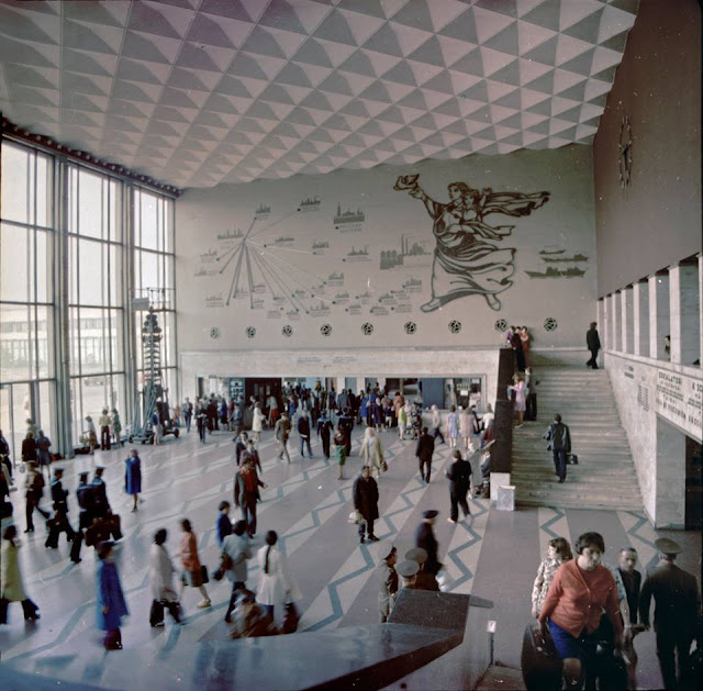 Рижский центральный ж/д вокзал в разные годы. Внутренний интерьер.