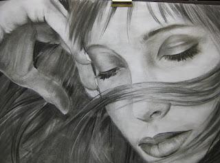 Genç Kız Karakalem Çizimi