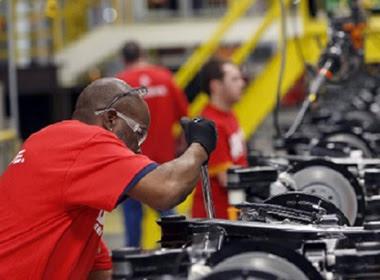 Thị trường lao động Mỹ: Thu nhập cao nhưng khó xuất cảnh