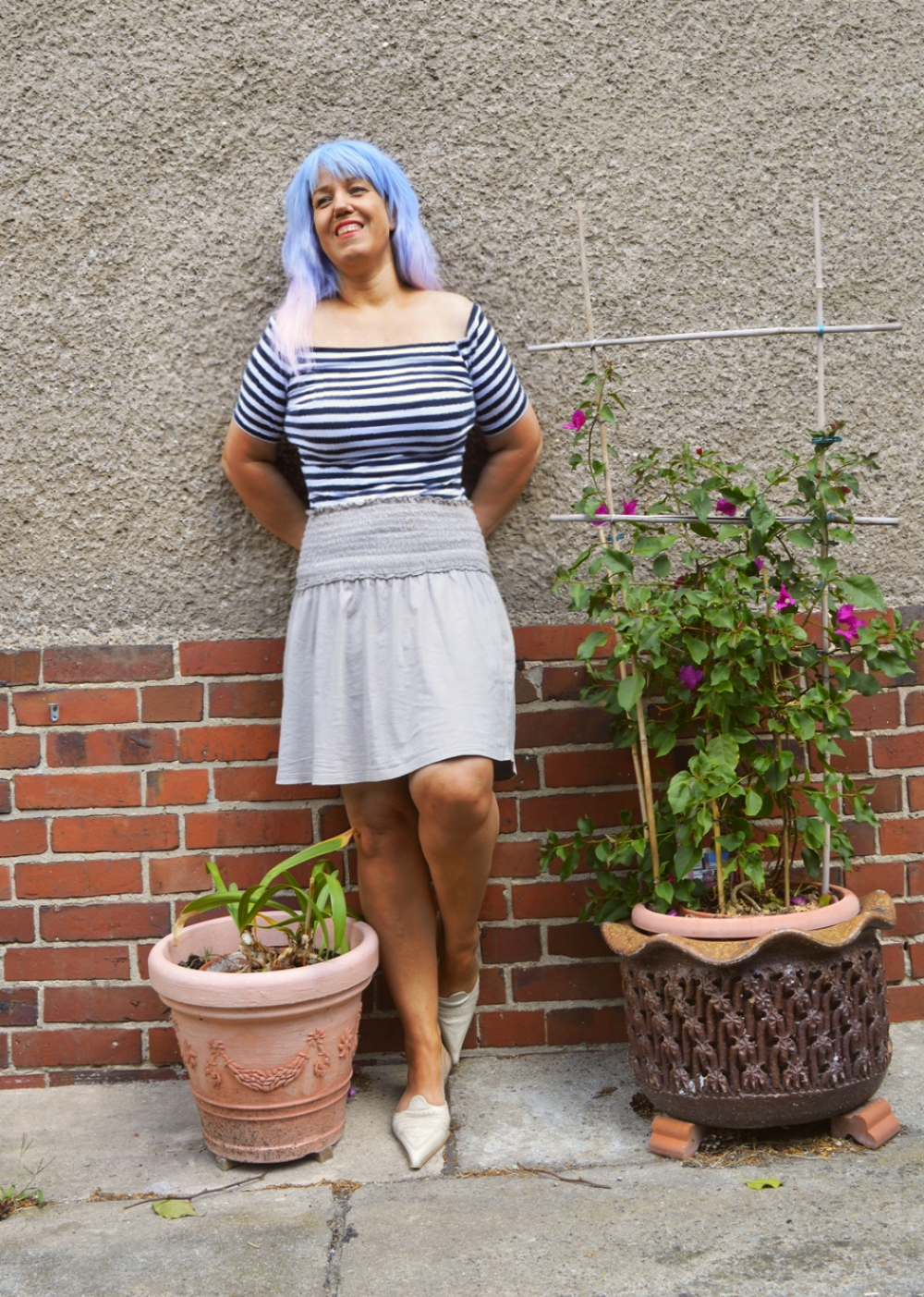 Yellow Bag and striped Shirt - Outfit with High waisted Skater Skirt, striped shirt and leather mules; posted by Annie K, Fashion Blogger, Founder, CEO and writer of ANNIES BEAUTY HOUSE - a german fashion and beauty blog