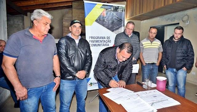 Vice-Prefeito Sergio Pinheiro assina ordem de serviço para construção de asfalto em 4 ruas de Colombo