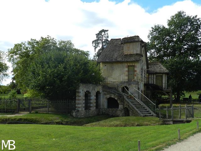 borgo della regina versailles