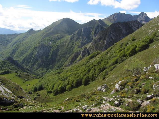 Ruta Lindes - Peña Rueda - Foix Grande: Subiendo por Vallina Grande