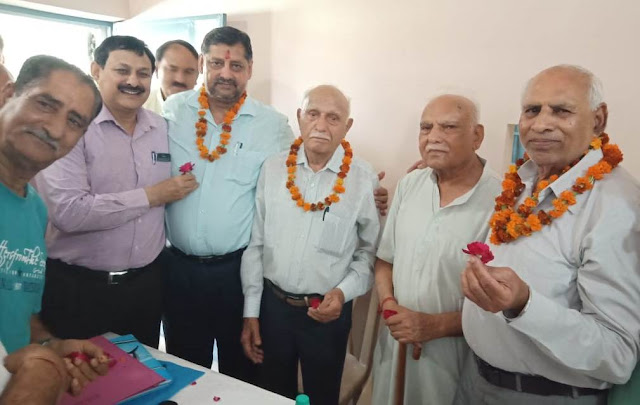 Friends Social Workers Association, Daulatram Chadha becomes the consensus leader in Faridabad elections
