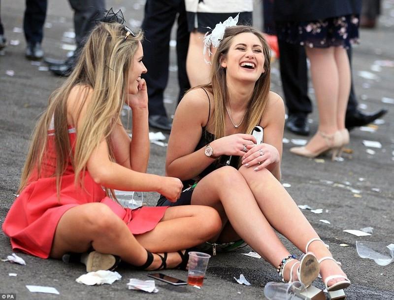 Дамский день в Великобритании (11 фото)