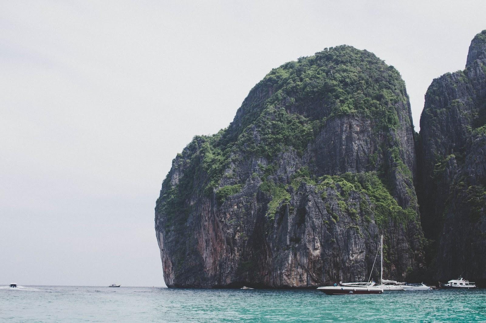 phuket-maya-bay-travel-ko-phi-phi-dc-blog-travelblog