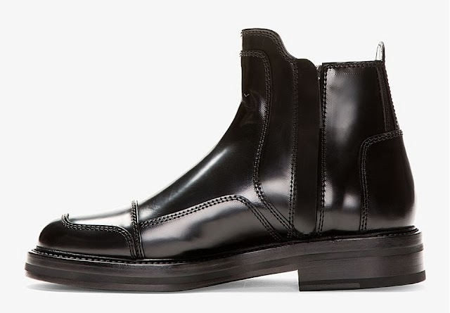 BOOTS OF THE HOUR: JUUN J