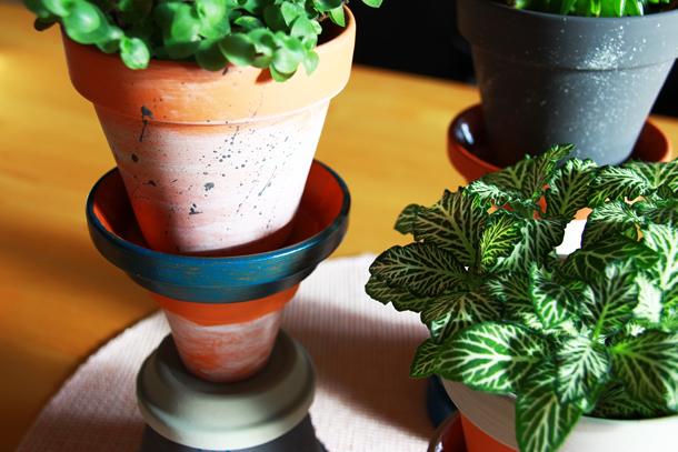 binedoro Blog, DIY, Sukkulenten-Türmchen aus Terracotta, Pflanzenständer, Blumentopf, Ton, Übertopf, Acrylfarbe, Kerzenständer