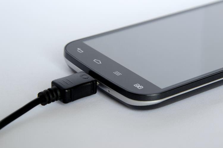 Samsung'un Yeni Pil Teknolojisi 5 Kat Daha Hızlı Şarj İmkanı Veriyor!