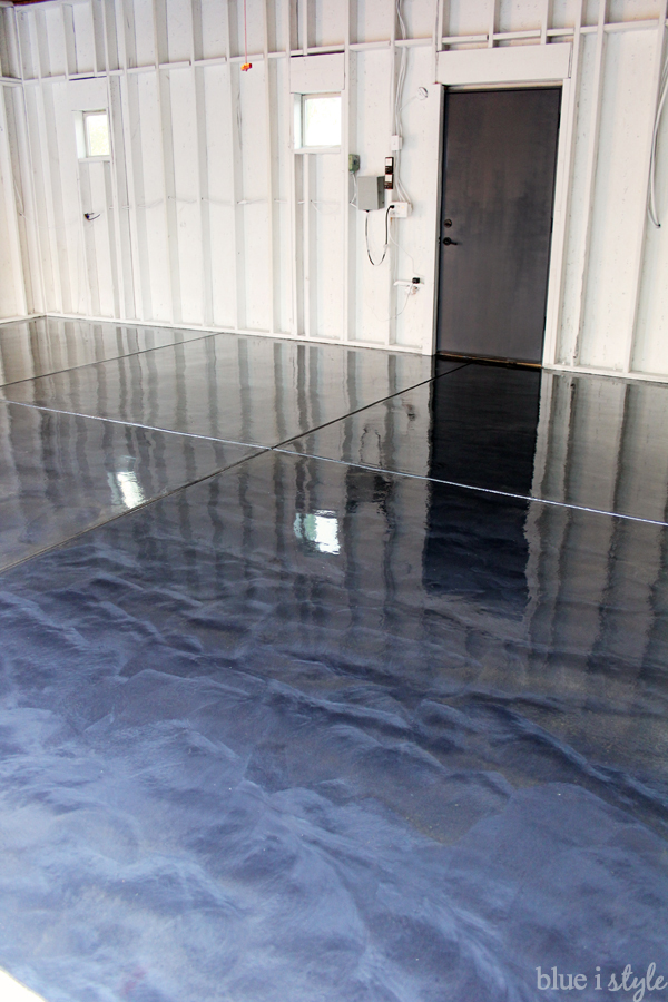 metallic garage floor with anti-slip top coat