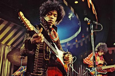 10 Lagu Terbaik Jimi Hendrix yang Populer