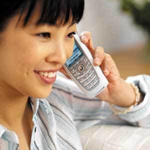 Dampak seringnya menelpon terlalu lama untuk kesehatan Telinga dan Otak