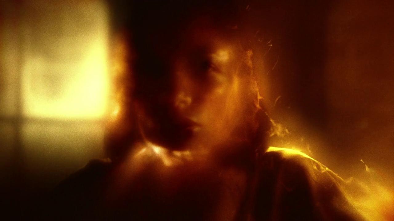 http://www.recenserie.com/2015/04/marvels-daredevil-1x05-world-on-fire.html