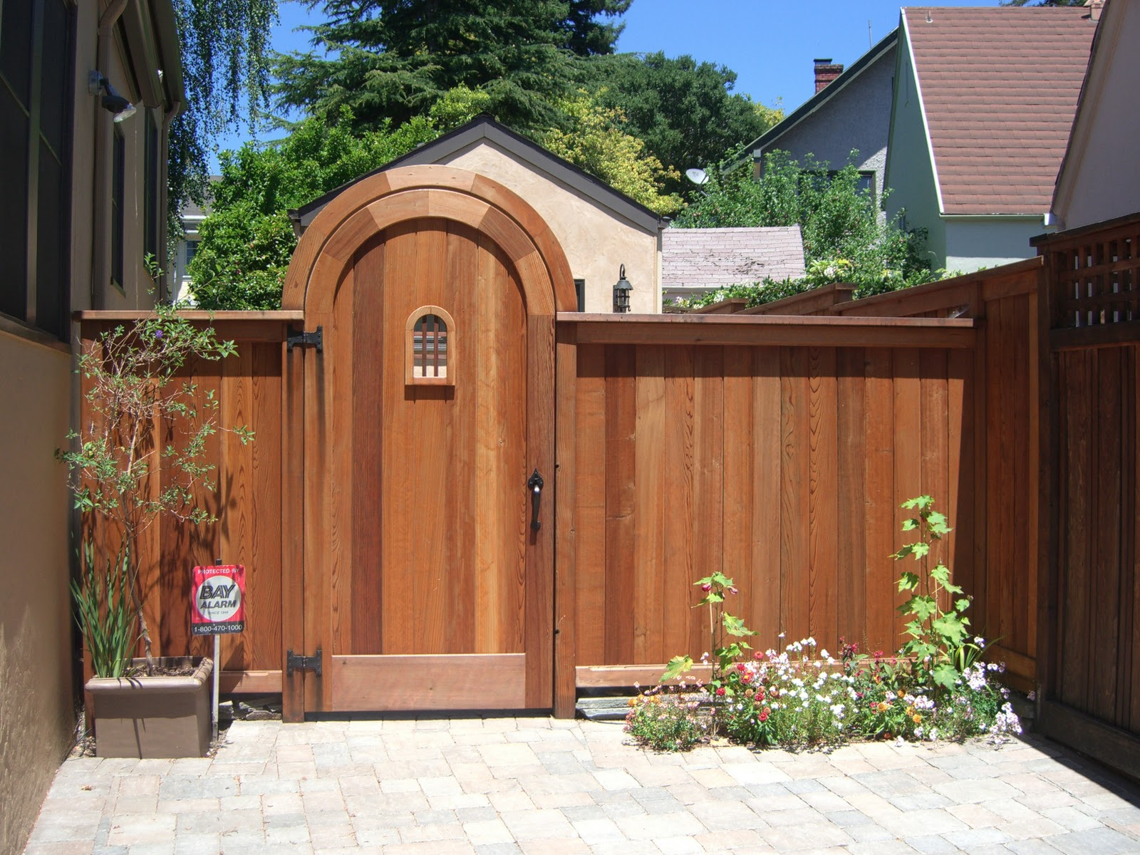 Home Design Gate Ideas: MacGregor Construction: Curved 4x4 Header And Gate