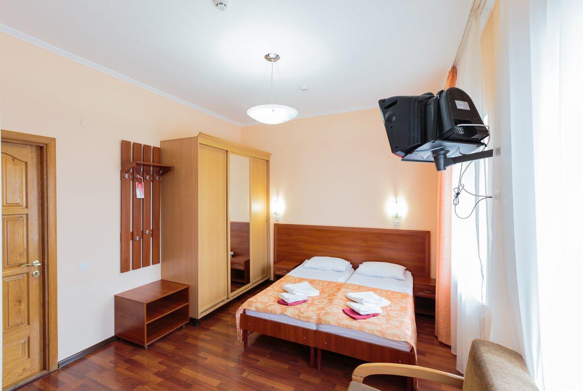 Номер эконом в курортном комплексе Здоровье в Феодосии