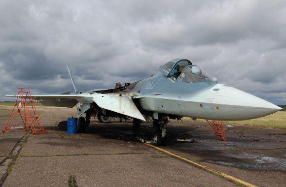 https://www.artileri.org/2014/06/sukhoi-t-50-rusia-terbakar-saat-mendarat.html