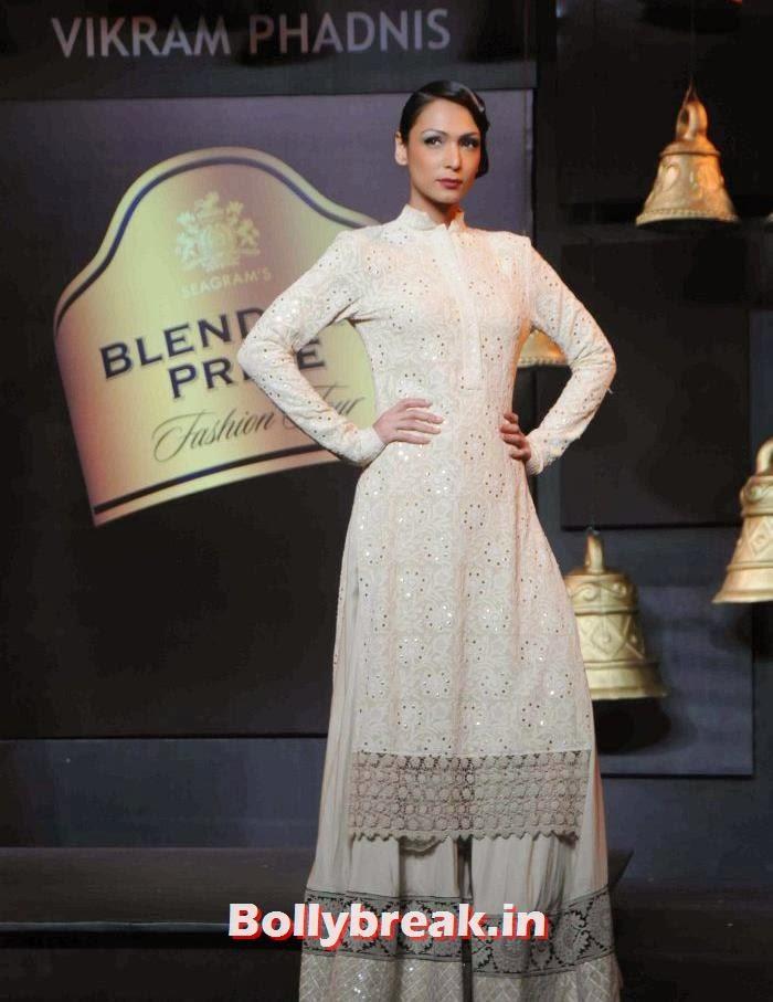 Shamita Singha, Models Walk the Ramp for Vikram Phadnis at BPFT 2013