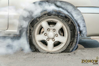 HOW TO PERFECTLY CONTROL A TIRE BLOWOUT 4