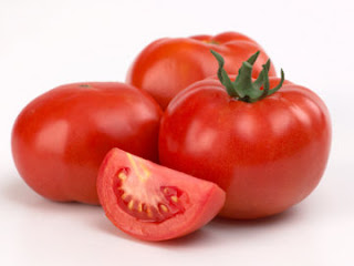 Cara Menghilangkan Wajah Berminyak Menggunakan Tomat, manfaat tomat, kandungan tomat, gambar tomat