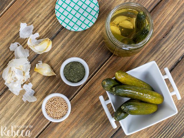 Pepinos encurtidos (pepinillos en vinagre)