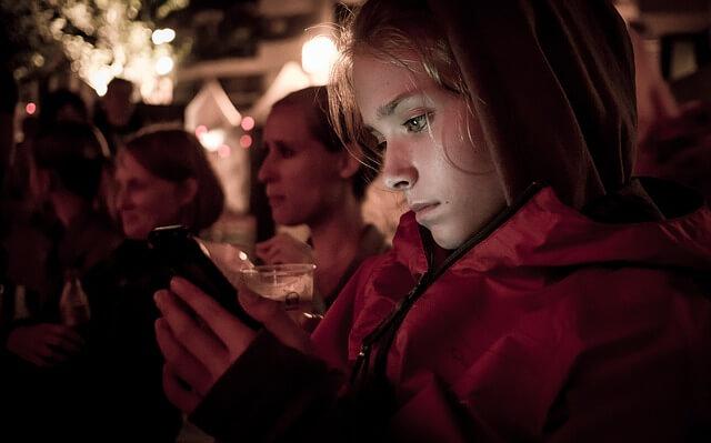 smartphone blue light