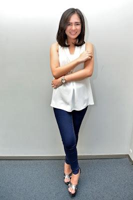 Foto Artis FTV Cantik Masayu Clara Hot Di TV paha ketat dan mulus
