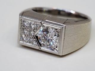 プラチナ製のダイヤモンドリングを買い取りました