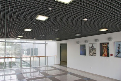 tavan casetat metalic de tip grilă