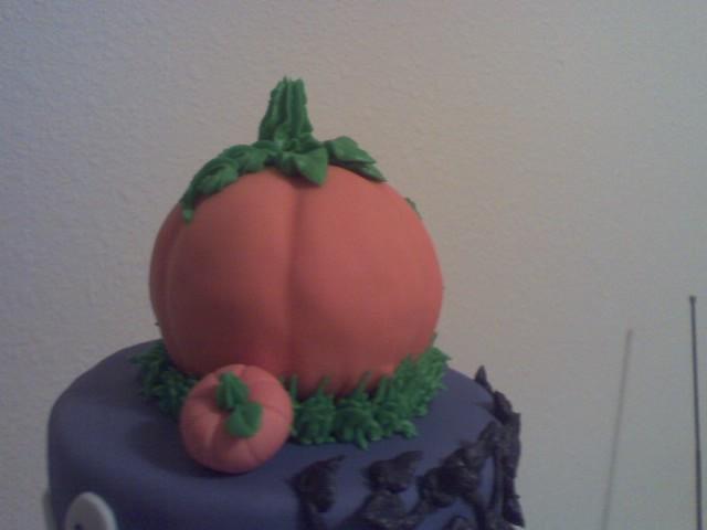 Beautifully Embellished Cakes April 2011