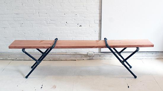 Desain meja unik menggunakan pipa besi