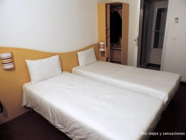 Hotel Couett, Chartres. Alojamiento económico en Francia