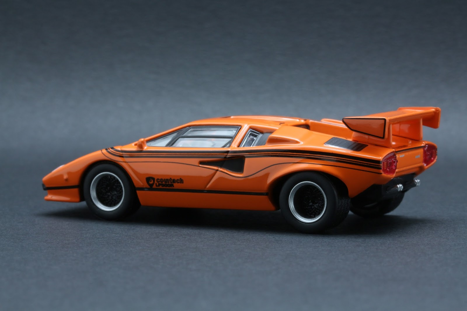 Diecast Hobbist Lamborghini Countach Lp500r