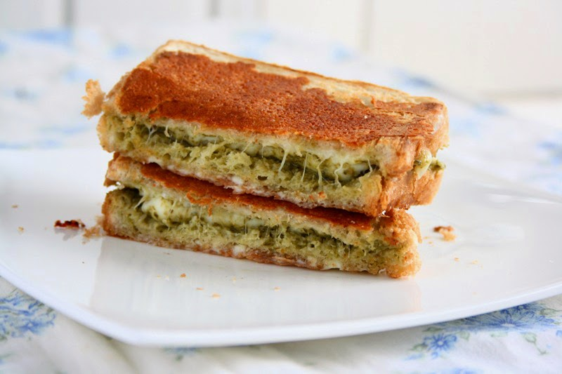 GRILLED CHEESE PESTO SANDWICH