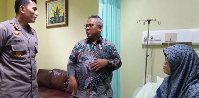 Ketua KPU Bekasi Bertumbangan, Arief Budiman Buru-buru ke Rumah Sakit
