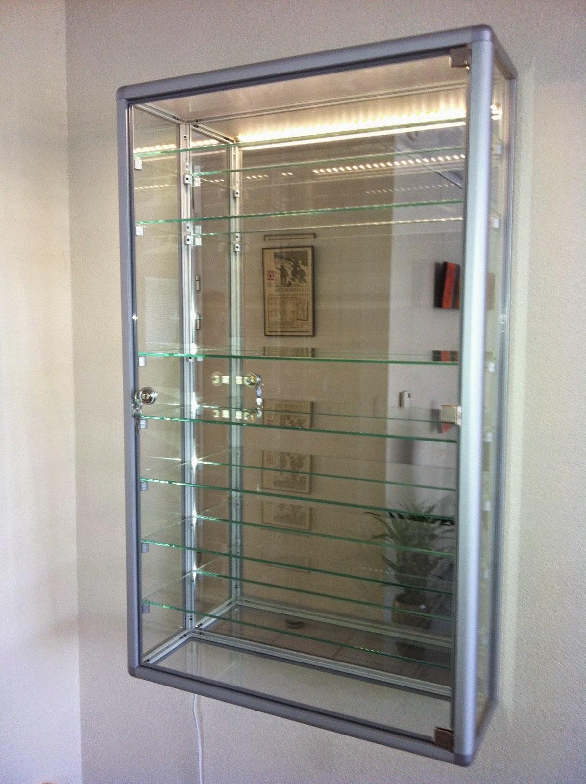 Kast Voor Glaswerk.Glazen Vitrinekast Vitrine Masters