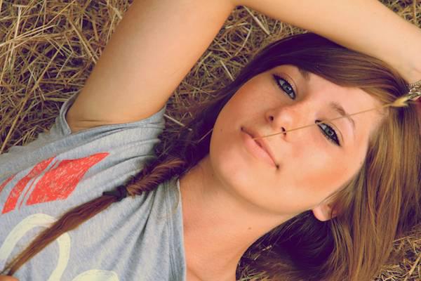 Hot Sexy Girls Women in Jungle Grasses