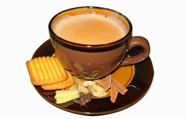 Taza de chai con galletas