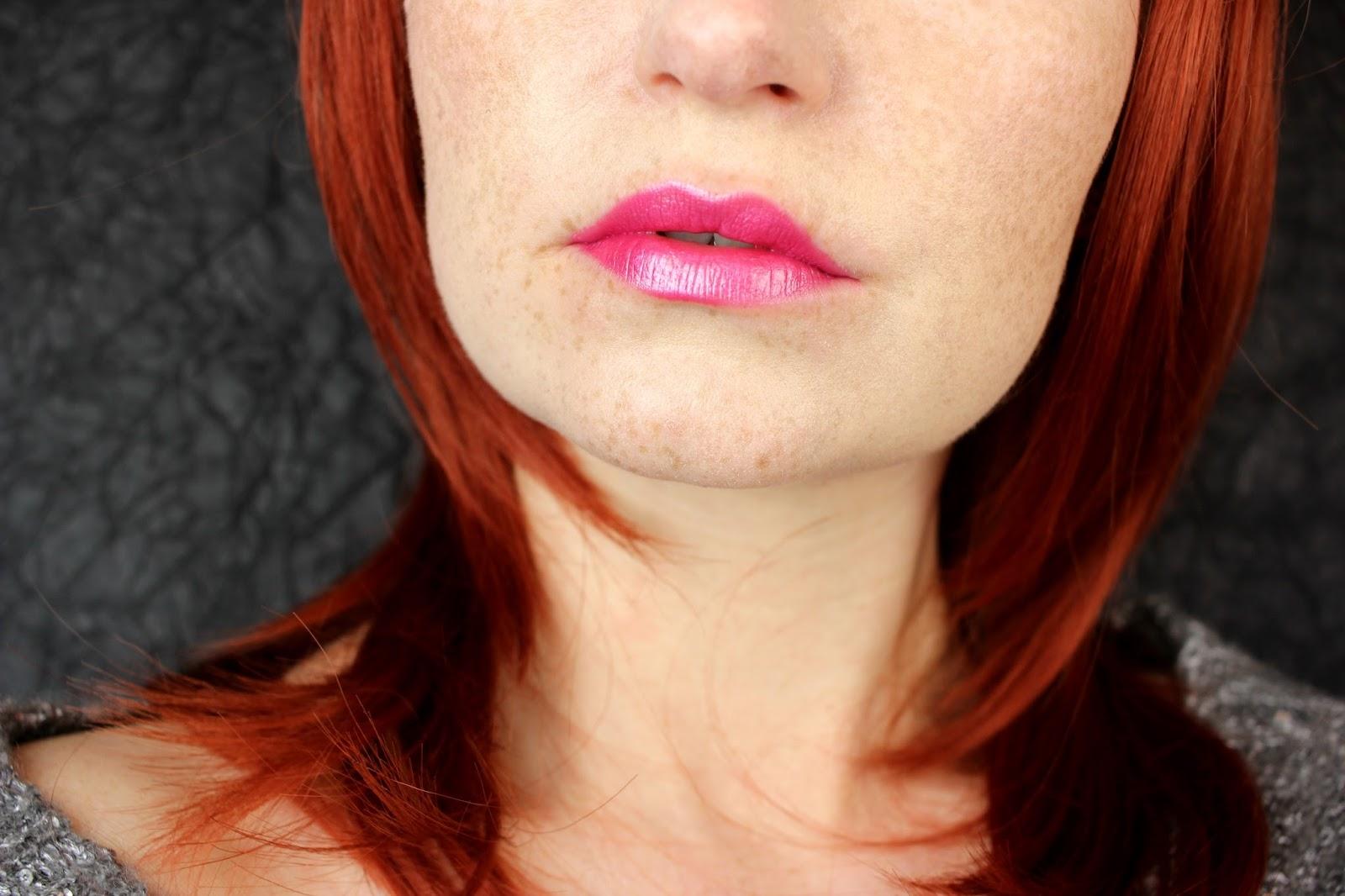 """Statement Lips: """"metal shock lipstick"""" von essence"""