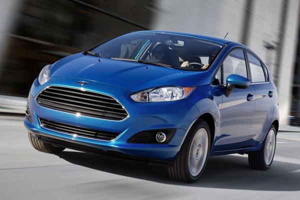Xe cỡ nhỏ của Ford Fiesta Ecoboost xinh xắn phù hợp với nữ giới