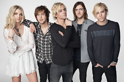 Download Lagu R5 - Dark Side