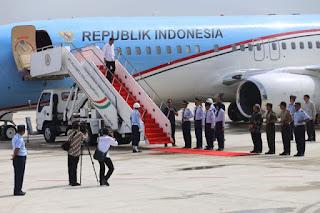 Pesawat Yang Di Tumpangi Presiden Jokowi Lakukan Pendaratan Perdana di Bandara Internasional Jawa Barat