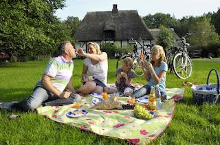 Eine gesunde Lebensgestaltung mit Aktivität im Freien.